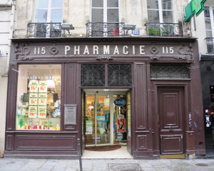 Pharmacie on Saint-Honoré. Photo by Dan Owen.